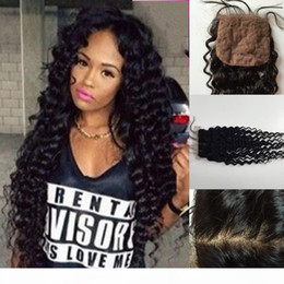 2021 chiusura di seta ondulato bagnato 4X4 Brazilian Deep Wave Closure Bleached Knots Middle Free 3 Part Brazilian silk Closure Wet And Wavy Closure chiusura di seta ondulato bagnato economici