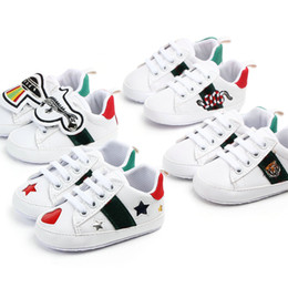 Chaussures en dentelle pour enfant en Ligne-Chaussures bébé Neufs Garçons Filles First Walkers Enfants Enfants En Toddlers Lacets Up Baskets Pu Prewalker Chaussures blanches 0-1T