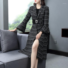 2021 passendes flauschmantel Elegante Frauen Woolen Trench Coat Office Damen Kristall Bow Anzug Lange Mantel Plaid Lace Flare Sleeve Wolle Mantel Slim Fit Trench1