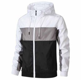 Chaqueta delgada para hombre online-2020 men s clothing designers mens winter Jackets coats men Windbreaker Thin Coat Long Sleeve Zipper Luxurys Jackets Running Sportswear