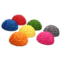 media bola de yoga Rebajas Capacitación con sentido infantil Yoga Half-ball Agua Cube Diamond Pattern Pineaple Ball Pie Massage Ball Toy Fitness Balls 1pcs1