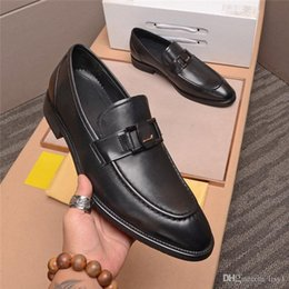 pattini di legame dell'arco uomini Sconti 20 Brand Lussuoso Genuino Vernice di Bercario Luxury Dress Dress Shoes With Bow Tie Banchetto da uomo Party Mocassini formali 33