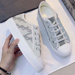 Scarpe di tela per le ragazze online-2021 Vendi benissimo Donne di alta qualità Scarpe Espadrilles Sneakers Stampa Passeggiata Sneaker Sneaker Ricamo Canvas Piattaforma Platform Shoes Girls By Shoe02 02
