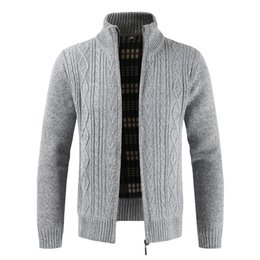 Cardigan listrado colorido on-line-Mens Novo 2020 Primavera Outono Moda Marca Casual Stand Collar Striped Slim Knit Homem Cardigan Colorful Sweater