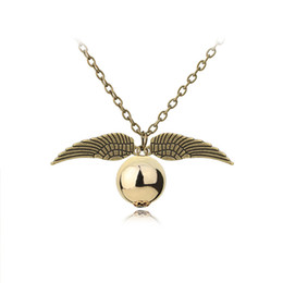 Harry styles collar colgante online-Disponibles Moda Harry Collar Hombres Mujeres Estilo Vintage Angel Wing Charm Gold Snitch Colgante Colgante Para Potter Movie Fans Accesorios