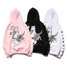 Pull lâche pour chat en Ligne-Couples Hommes et femmes Couples Fall / Hiver Ripndip Base Cat Middle Doigt Pull Cat Plus Velvet Lock Sweats à capuche