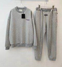 Formation pour créateur de mode en Ligne-2021 Printemps Nouveau Grand Menseur de mode Grey Tracksuits ~ Taille des États-Unis SweatSuits ~ Tops Quality Mens Training Jogging Sweat Support