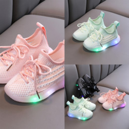 Pattini principali a buon mercato online-Scarpe originali Superstar Led Shoes Hologram Iridescent Traspirante Junior Superstars Cheap Children Running Bianco Casual Shoes Boys Childre