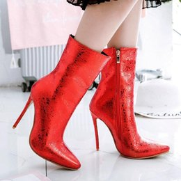 bottines bleues sexy Promotion Noir Blue Rouge Femmes Bottes Sexy Super High High Boots Bottines pointues Toe Zipper Automne Hiver Fashion Femme 20201