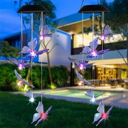 disegni pendente a farfalla Sconti 2 V 40mAh Solar Intelligent Light Control Design e colore Shell Butterfly Wind Chime Corridor Decoration Pendant Pannello solare Pannello solare Luce colorata
