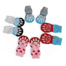 Calzini per cuccioli online-4pcs Set Cute Puppy Dog Knit Socks Small Dogs Cotton Anti-Slip Cat Shoes For Autumn Winter Indoor Wear Slip On Paw Protector FWA3023