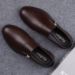 2021 chaussures lofers  New Mens Lofers Luxury High Quality Loafer Men Genuine Leather Slip On Flats Man Casual Shoes Vintage Side Zipper Driving Shoes chaussures lofers  pas cher