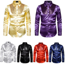 2021 polyester formelle t shirts Hommes Soie Satin T-shirts Fashion Sequin Ruffle Top Mâle Casual Business Club Slim Formelle Nuit Chemises polyester formelle t shirts pas cher