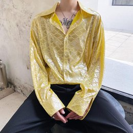 Mostrare i modelli della camicia online-Uomini Golden Shiny Fish Scale Scala Modello a maniche lunghe Casual Shirt Shirt Shirt MAX Nightclub Stage Fashion Show Dress Shirts