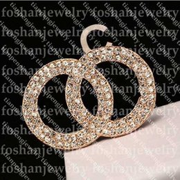 2021 spille decorative Top Donne Designer Brooches Lettera Diamond Brooches Pins Tassel Spilla Ladys Decorazioni gioielli di moda