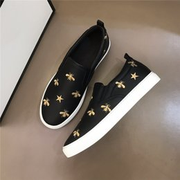 cranio dell'uomo dei mocassini Sconti Uomini api in vera pelle Skull Fashion Causal Appartamenti Mocassini Scarpe Maschio High Top Shoes For Man Sapato Social Masculino con scatola