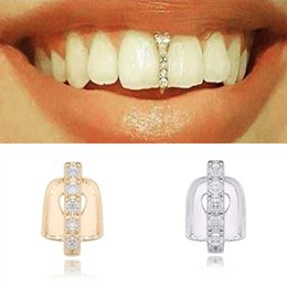 Capsula los dientes online-Nuevo Hip Hop Dientes de oro Grillz Top Crystal Parrillas Dental Botes Dientes Punk Taps Cosplay Party Diente Rapper Divertido joyería Regalo