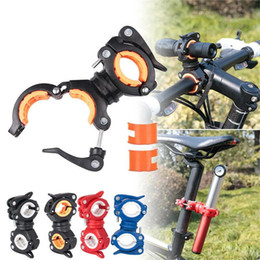 morsetti accessori per biciclette Sconti 25 # Bicycle Light 360 gradi Bike LED Supporto per il supporto del supporto per lampada Bicycle Torch Clip Morsetto Accessori per ciclismo