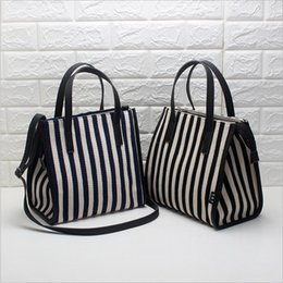 2021 le ali dei sacchetti di modo 2021 New Fashion Stripe Canvas Bag Borsa a tracolla da donna Borsa a tracolla di modo grande capacità Messenger Women's Wing Canvas