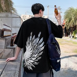 2021 le ali dell'uomo 2021 New Wings T Shirt High Street Hip Hop Tops Uomo Camicetta Estate Casual Black Cool Harajuku coppia Tshirt Streetwear NHT2