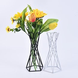 Stand di fiori di ferro online-1 Pz Air Plant Holder Metal Flower Pots Stand Geometric Iron Tillandsia Holder