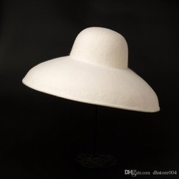 Cappello bianco bordo floppy online-Classico Big Wide Brim Lady Floppy Bowler Bianco Fedora Cappello Donne inverno Cappello caldo Derby Church Party Dress Cappello