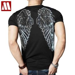 homme tshirt ailes Promotion Été Nouvelle Arrivée Hommes Shining T-shirt T-shirt Novelty Angle Angle Diamants Tshirt Homme Casual Tees Sleeve Short Hip Hop Streetwear 210322