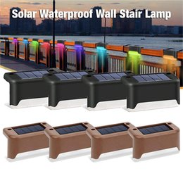 Balcone luce solare del led online-Solar Deck Lights LED Scaffale Step Step Recence Path Lampada per path Outdoor IP65 Waterproof Wall Light per Balcony Pathway Recinzioni Garden Walkway