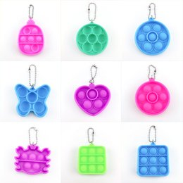papillon designer sacs Promotion POP IT Keychains Coeur Push Bulle Threads Titulaire Enfants Fidget Simple Dimples Jouets Rond Sac Pendentifs Decompression Toy Aniaml Butterfly Design Key Chaînes