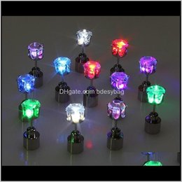 2021 flash brincos hairpins strobe led Entrega de gota de jóias 2021 Presente de Natal Flash Studpins Brinco Luzes Strobe LED Luminous Light Up Nightclub Festa Brincos DMUB0