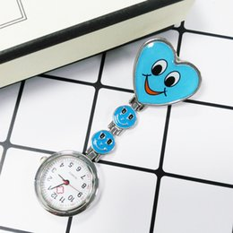 Smiling Glass cabochon Dome Badge pin Jewelry Fashion Love Heart Christmas Gift for Men Women Smile Face Brooches