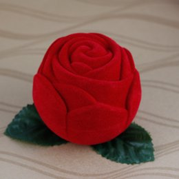 Wholesale Wedding Candy Roses - European Classic Fashion Red Rose Velvet Chocolate Candy Boxes For Wedding Favor Supplies 30pcs lot Free Shipping