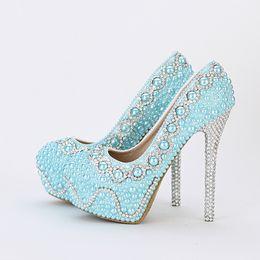 2019 zapatos de plataforma cómoda boda Zapatos cómodos de novia Azul Perla Zapatos de boda Banquete hecho a mano Plataformas de baile Mujeres Zapatos de vestir formales Amarillo Verde zapatos de plataforma cómoda boda baratos