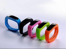 Wholesale Motor Rates - Hand Manufacturer's direct-selling RFID waterproof smart bracelet, real-time heart rate sleep monitoring bluetooth motor pedometer bracelet