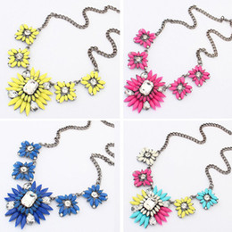 Wholesale Crystal Flower Necklace Clear - Chunky Clear Crystal Resin Flower Fashion Collar Statement Necklace Anne