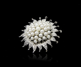 Wholesale Neckline Jewelry - 2015 3pics lot Cheapest 4.7*4.7 Neckline Pins Rhinestone Wedding Jewelry Pearl Bridal Brooch Evening Party Brooches Pins Gift