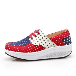 Wholesale Bodybuilding Shoes - Wholesale-Canvas Shoes For Women Wave Point Printing Lace-UP Casual Bodybuilding Fitness Sports Rocking Shoes Height Increasing