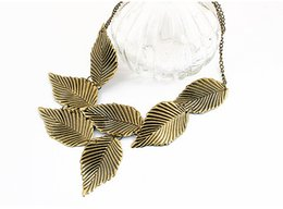 Wholesale Create Charm Necklace - (wholesale)Top Qulity New 2017 fashion for women charm gift jewelry created Leaf personality Necklace vintage jewelry necklaces & pendants