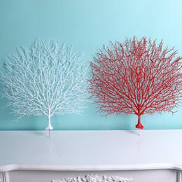 Ramas de coral online-Rama de árbol artificial Peacock Coral Branch Plants La decoración del hogar de la boda Adorno plástico Fotografía Props Home Decor