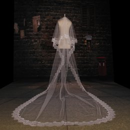 Wholesale Scalloped Edge Bridal Veil - Romantic Wedding Veils Two Layer Cathedral Train Tulle Appliques Lace Scalloped Edge Bridal Veils Sexy W5791