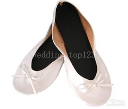 Wholesale Retailing Online - 2017 New Retail online sale club disposable ballerina black foldable flats with small pu bag
