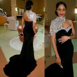 Sparkly Black Long Mermaid Abiti da sera 2018 Collo alto di cristallo in rilievo maniche corte donne Pageant Gown per formale Prom Party da