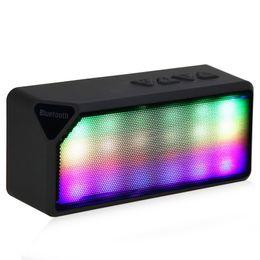 Canada Haute Qualité X3S Mini Sans Fil Coloré LED Lumières Impulsion Bluetooth 2.0 Support Haut-Parleur Mains Libres Radio FM pour Smartphone Q0287 Offre