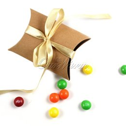 Wholesale New Style Wedding Candy Box - 50Pieces lot New Style Kraft Pillow Shape Wedding Favor Gift Box ,Party Candy Box 1ZTTGH-NPZ