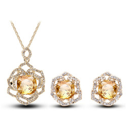 Wholesale Womens Bridal Sets - Bridal Party Jewelry Sets Austrian Crystal Rose Flowers Necklace and Earring Jewelry Set Womens Designer Jewelry H3311