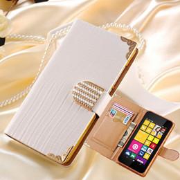 celulares lumia Rebajas Al por mayor-Para Microsoft Lumia 530 Bling Buckle PU Funda de cuero para Nokia Lumia 530 Wallet Flip Rhinestone cubierta del teléfono celular con ranura para tarjeta