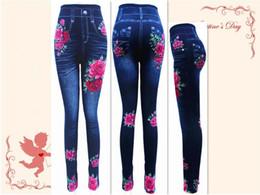 Calzamaglia di velluto più il formato online-Autunno Inverno Plus velluto Addensare Collant ad alta resilienza Leggings Non Pilling Printing Imitation Jeans Leggings Large Size Women Casual Pant