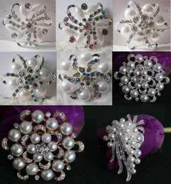 flower brooch mix Coupons - 8 Mix Styles Vintage Alloy Large Size Flower Rhinestone Diamante Crystal Pearl Brooch for Women and Bridal Party