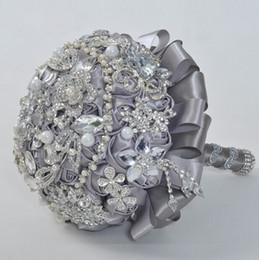 2019 sacs de tapis en gros Nouveau gris forage mariée main fleur cristal pendentif mariée main photographie accessoires mariage bouquet pour fournitures de mariage