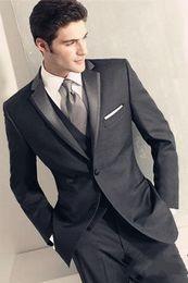 abendkleider rotwein silber Rabatt 2015 nach Maß zwei Tasten Bräutigam Smoking Kerbe Revers beste Mann Anzug grau Groomsman Bräutigam WeddingProm Anzüge (Jacke + Hose + Tie) A3